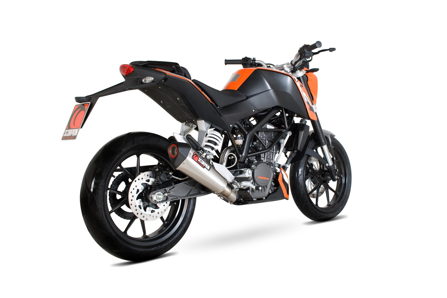 scorpion uno scarico per la ktm 125 duke. Black Bedroom Furniture Sets. Home Design Ideas