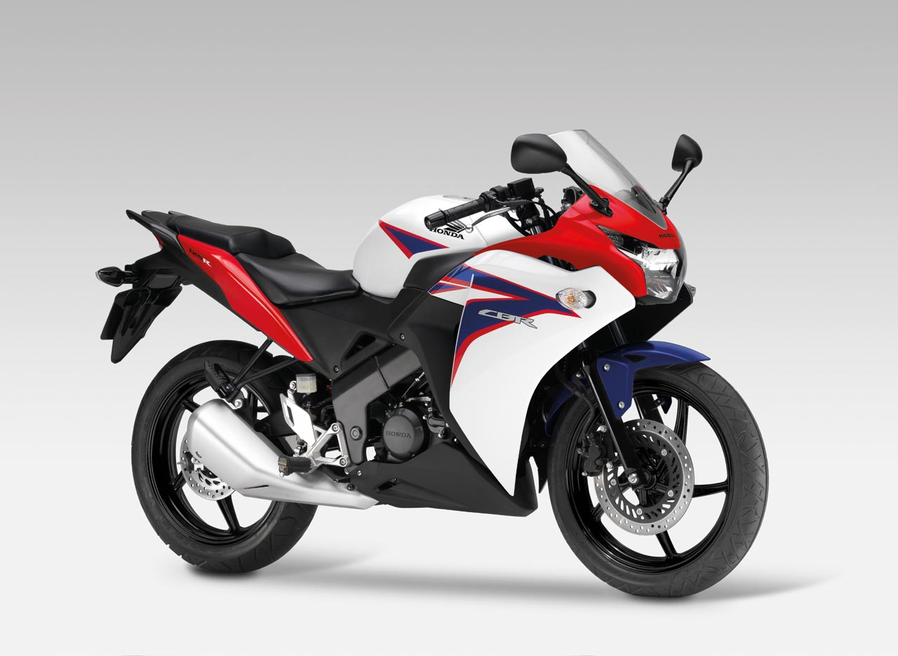 honda la cbr125r a prezzo speciale. Black Bedroom Furniture Sets. Home Design Ideas