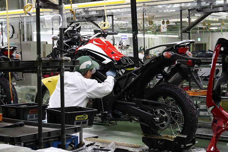 Honda A Pieno Regime La Produzione Della Africa Twin A