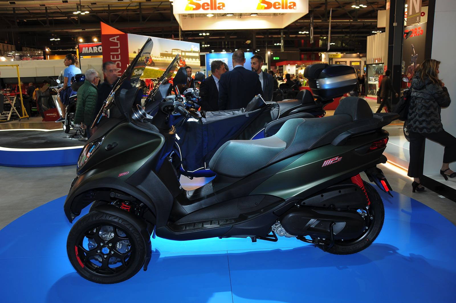 eicma 2017 piaggio mp3 350 e 500 dettagli tecnici e disponibilit. Black Bedroom Furniture Sets. Home Design Ideas