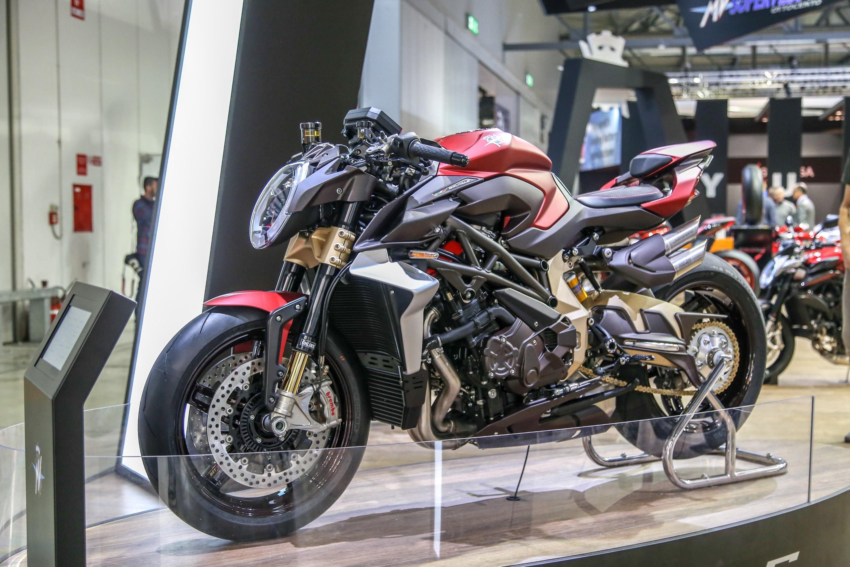 Mv Agusta Brutale 1000 RR, la hyper naked italiana più