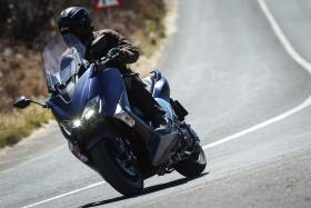 Yamaha Tmax DX, è ancora il re dei maxiscooter