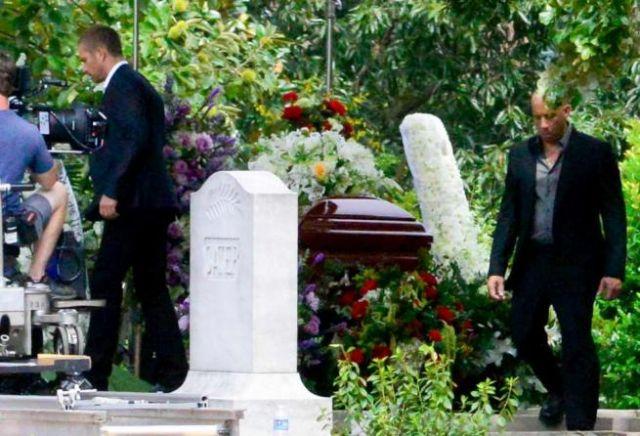 Paul Walker Funerale Rimandato La Polizia Indaga Sull