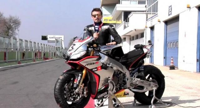 SBK 2015, con Max Biaggi in sella alla sua Aprilia RSV4 Superbike - VIDEO