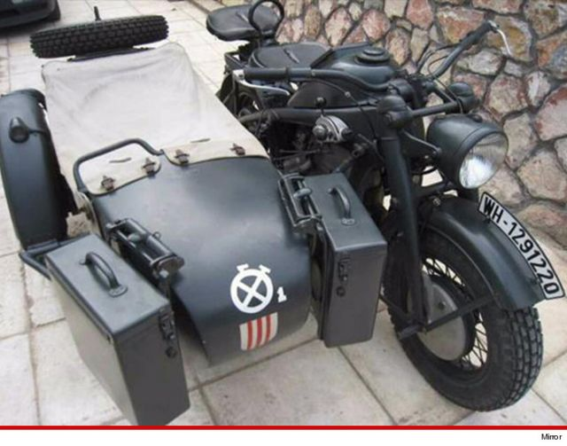 Brad Pitt si regala una BMW sidecar da 200 000 euro