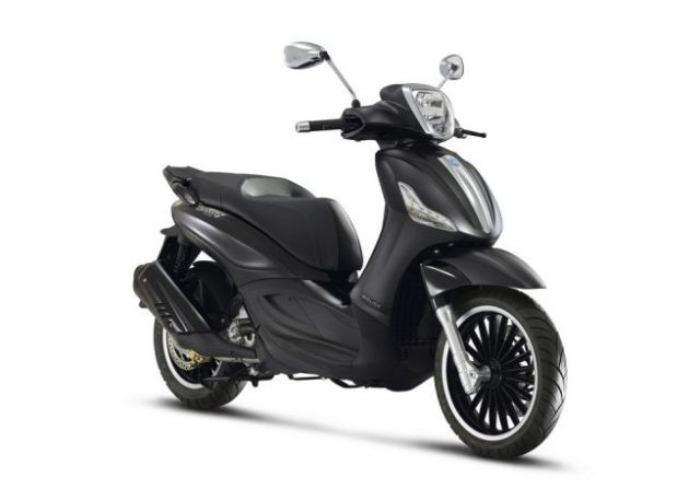 Piaggio Beverly 300: versione speciale all black by Police