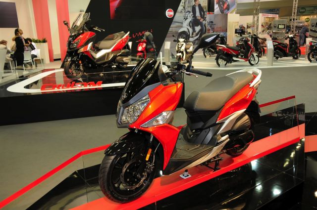 "Intermot 2016 - Sym Jet 14 125 ""double face"", disponibile con raffreddamento ad aria o a liquido"