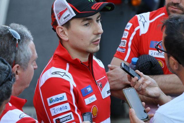 """MotoGP 2017, Lorenzo: """"Ducati, c'è qualcosa di sbagliato"""""""