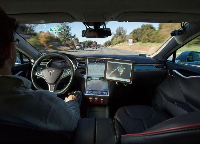 Bosch ConnectedWorld 2017 - Le auto comunicheranno da sole... per evitare moto e bici