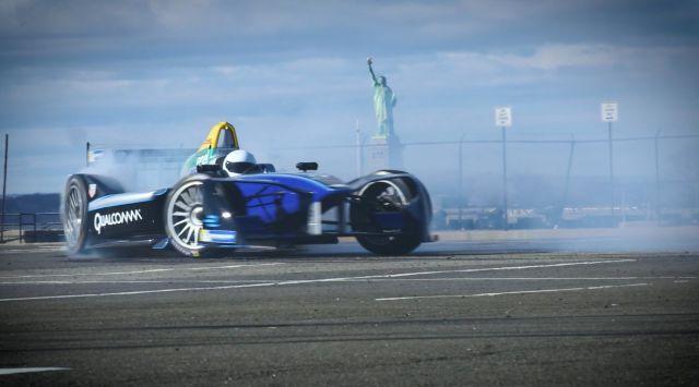 Formula E, ePrix di New York: pole per Lynn