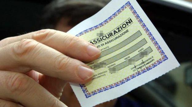Assicurazioni moto, il divieto di tacito rinnovo si estende alle altre garanzie
