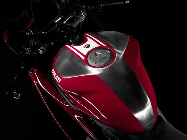 Royal Enfield, pronti 2 miliardi di dollari per Ducati