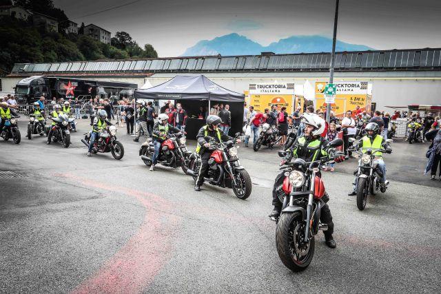 Moto Guzzi Open House, in 15.000 sfidano  la pioggia