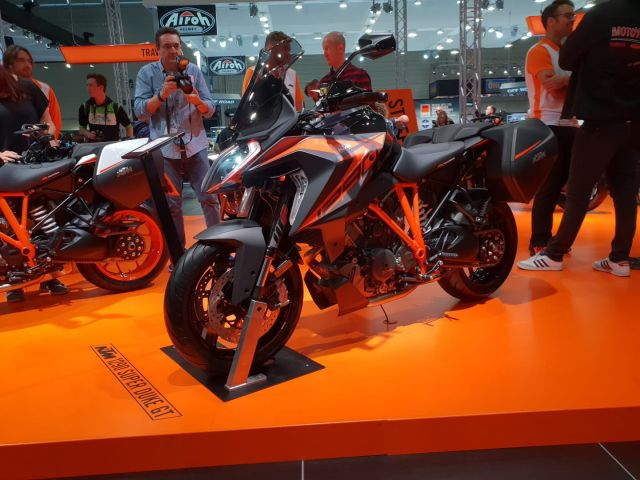 Intermot 2018 - KTM 1290 Super Duke GT: ha le sospensioni elettroniche