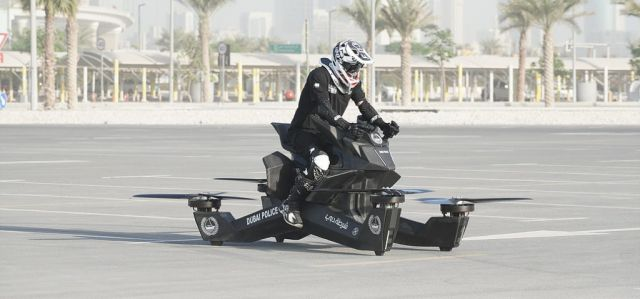 Hoversurf, la moto volante è pronta per la vendita