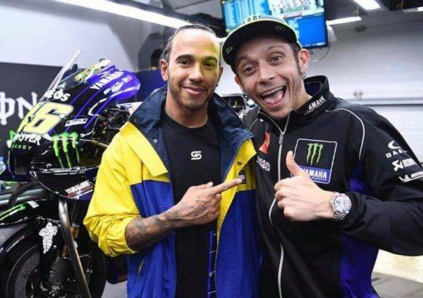 Valentino Rossi vs Lewis Hamilton, il 9 dicembre la sfida