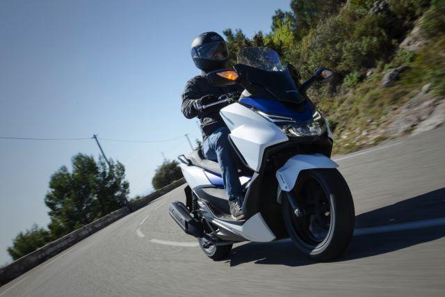 Honda Forza 125: agile, spazioso e lussuoso