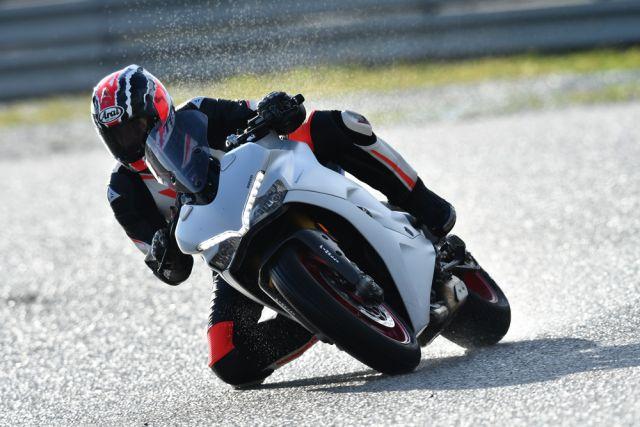 Ducati SuperSport S, veloce e comoda