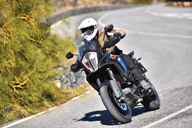 KTM 1290 Super Adventure S - Crossover o sportiva