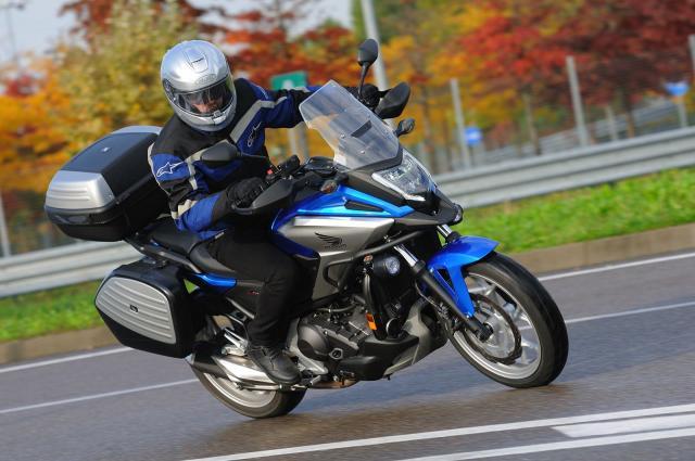 Honda NC 750 X, facile in città, comoda sempre