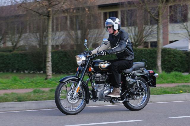 Royal Enfield Classic 500, stile e sostanza a buon prezzo
