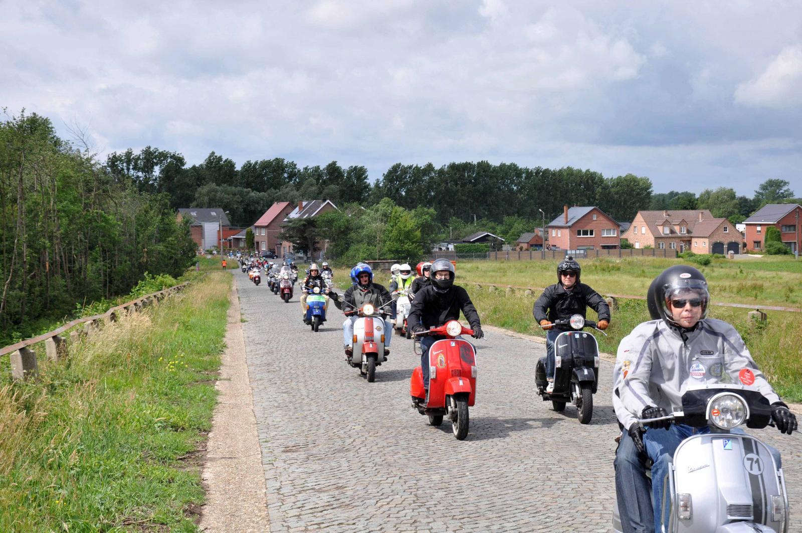VWD 2013, la Vespa invade il Belgio e si prepara per Mantova