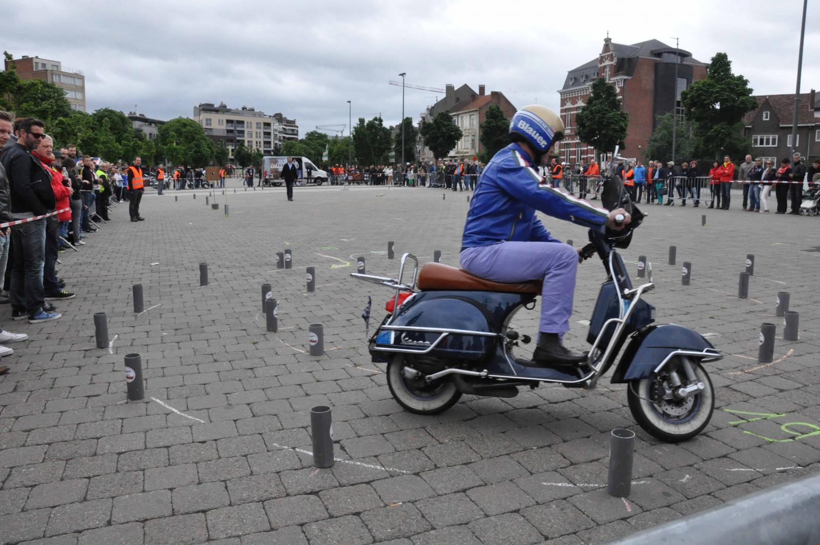 Foto Vespa VWD 2013, la Vespa invade il Belgio e si