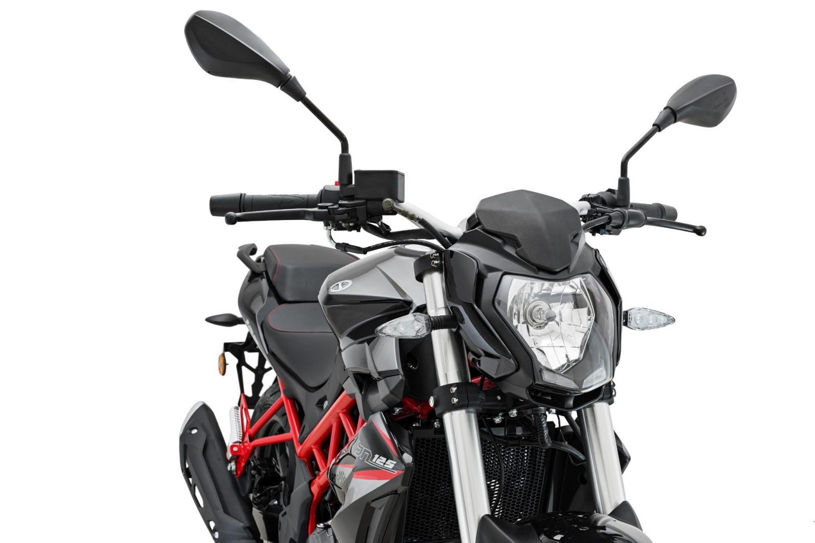 Benelli BN 125, la naked per i più giovani - Moto News