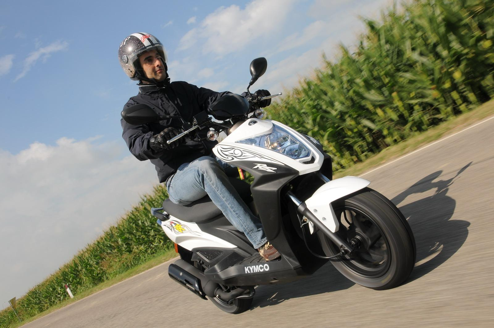 Présentation de la scooter 50 Kymco Agility 50 Naked Renouvo