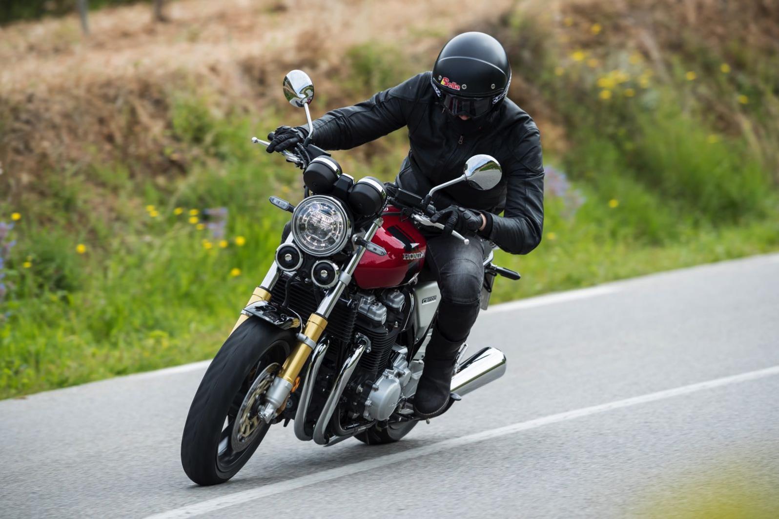 Honda CBR 300 R, modello fuori listino, prezzo, scheda