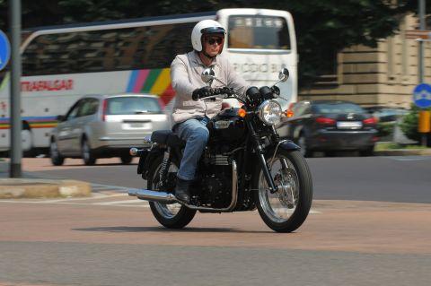 Prova Triumph Bonneville 865 T100 Black 2012