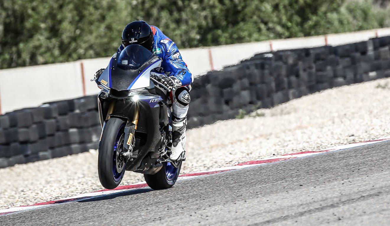Supersportive 2018 Yamaha Yzf R1m
